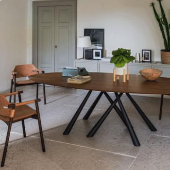 Tisch & Sessel von MIDJ
