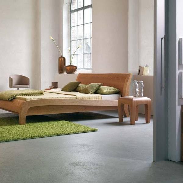 Holzbett von Dormiente