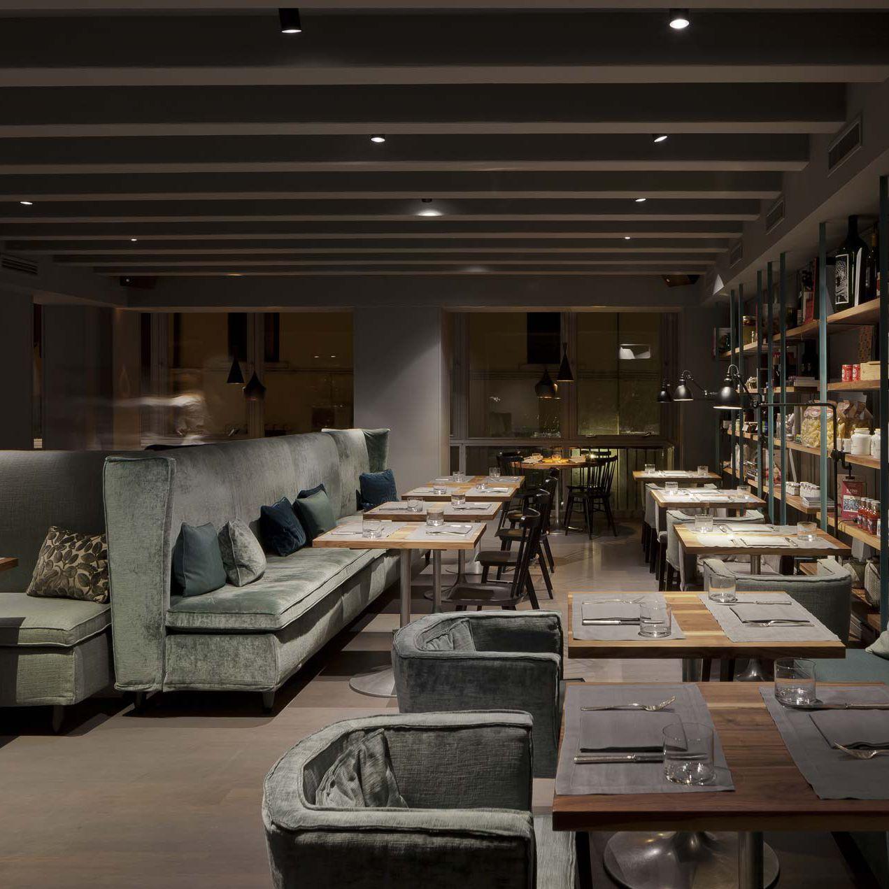 villevenete restaurant einrichtung daunenspiel. Black Bedroom Furniture Sets. Home Design Ideas